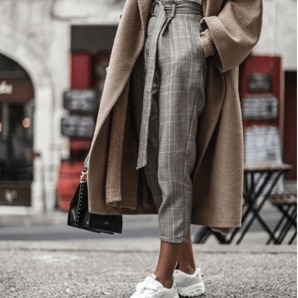 0daba574f 50 Idea to Rock The Chunky Sneakers Look This Fall - Girlsinsights