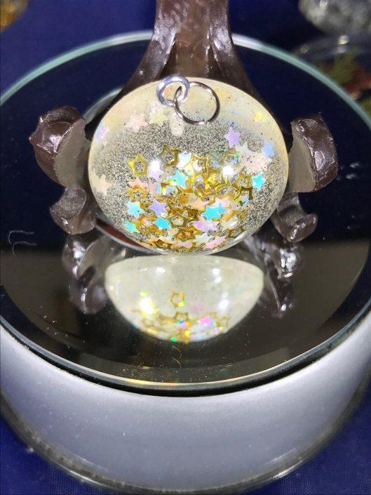 sparkling stars resin pendant