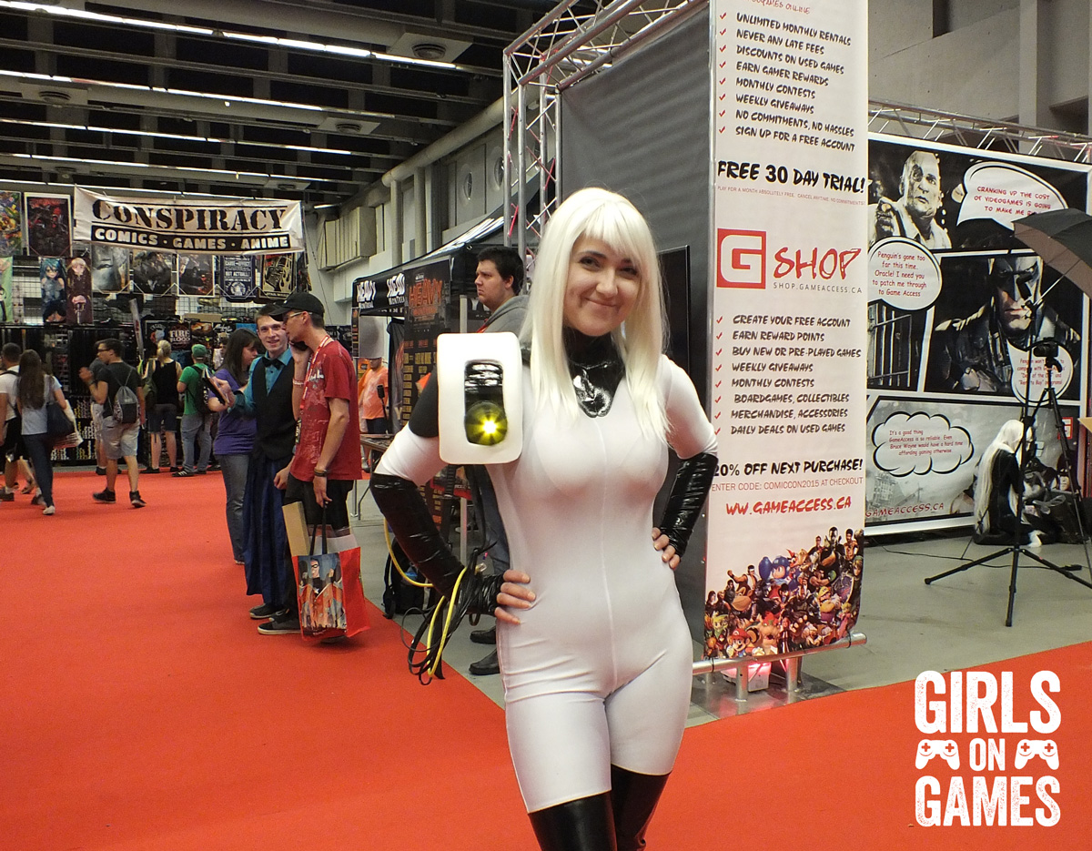 GLADoS cosplay at Montreal Comiccon 2015 by Allouquin. Photo © Simon Marcoux / Girls on Games