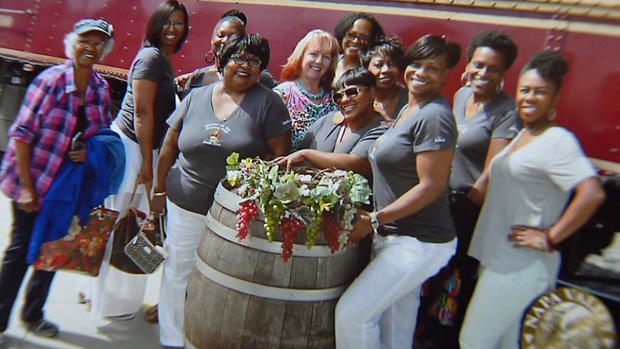 Black Women Settle Lawsuit With Napa Valley Wine Train   Girls That Roam Head of the Sistahs on the Reading Edge book club Lisa Johnson  foreground   and