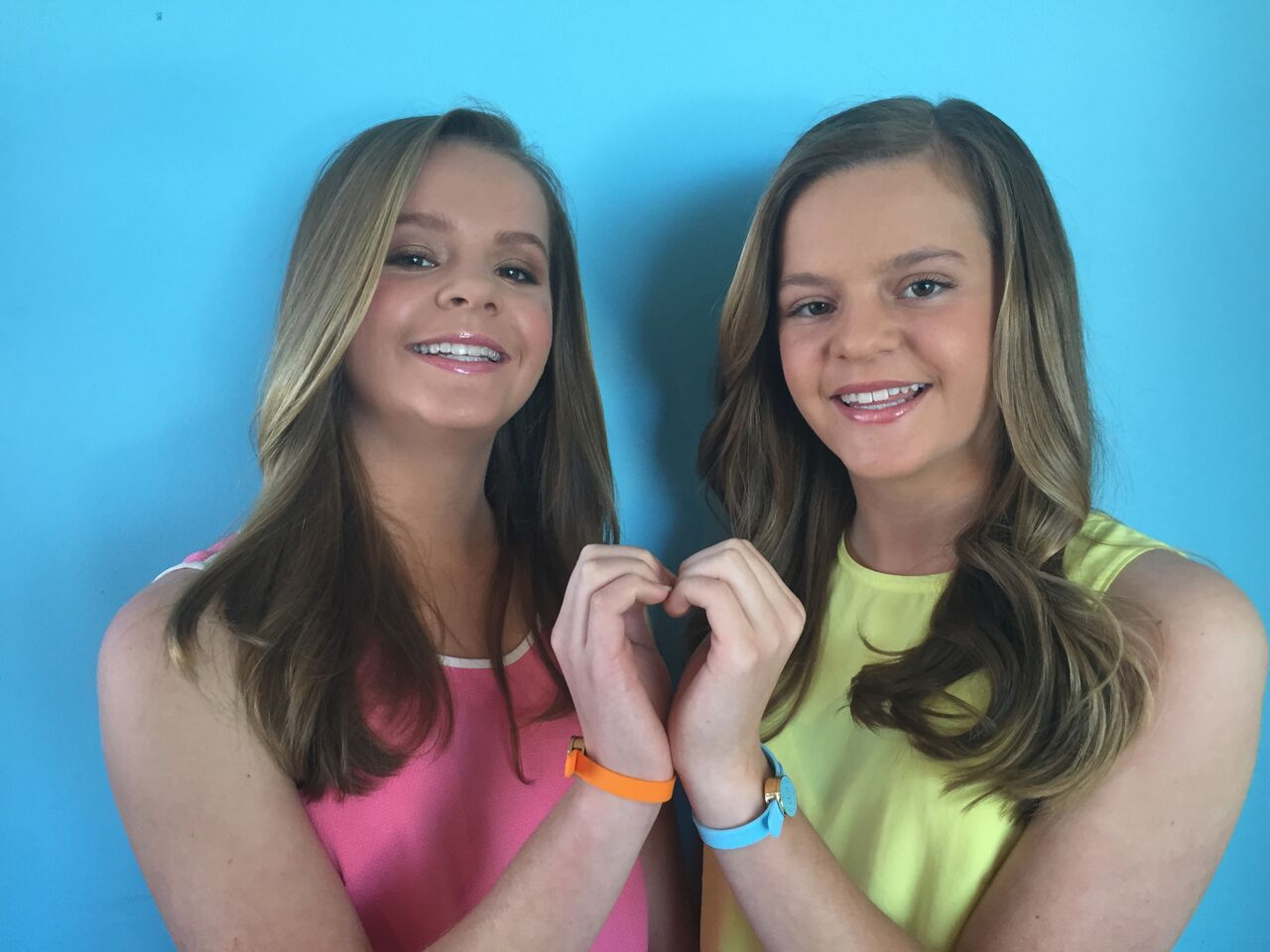 These Twin Sisters are already Entrepreneurs at age 13