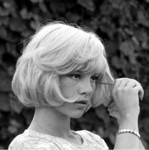 French Bob Hairstyles, vintage 60s styles, haircuts, hairstyles