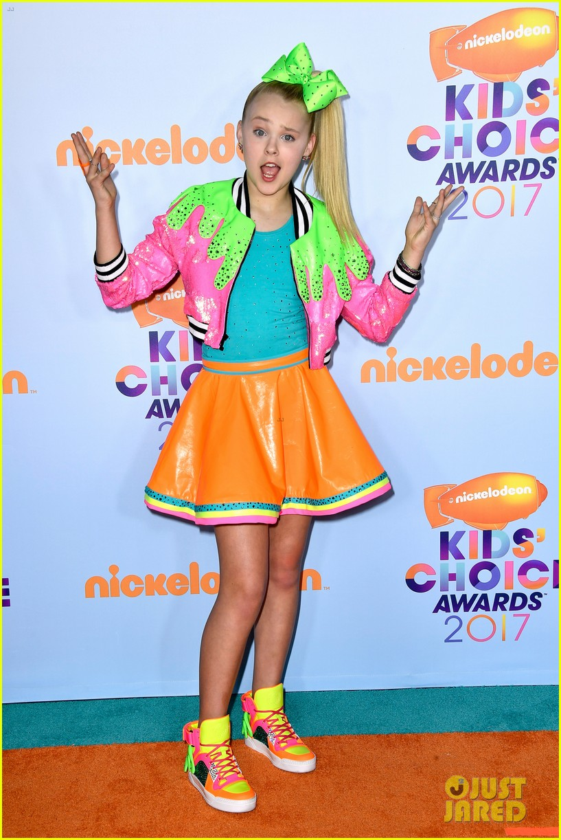 Peace Out, Haterz! JoJo Siwa is teaching us how to Live the Sweet Life
