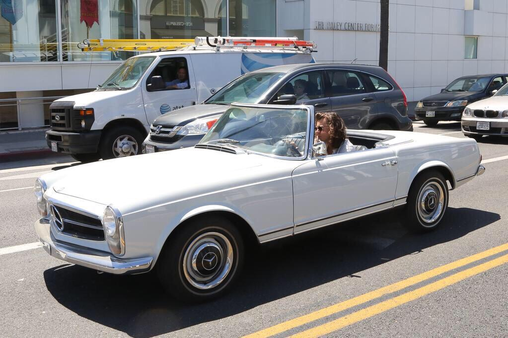 harry-styles-losangeles-LA-car