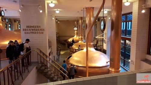 exploring-amsterdam-the-heineken-experience-brewery-tour-girlswanderlust-kettles