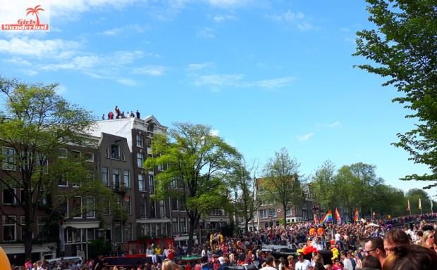 Amsterdam Gay Pride Canal Parade #gay #pride #parade #amsterdam #netherlands #gaypride #canalparade #girlswanderlust #wanderlust #travel #travelling #nederland