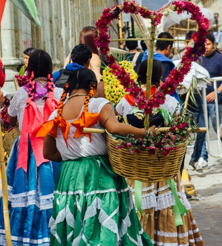 Cover Oaxaca City Mexico - Travel tips for exploring Oaxaca city in Mexico @girlswanderlust #mexico #oaxaca #girlswanderlust #travel