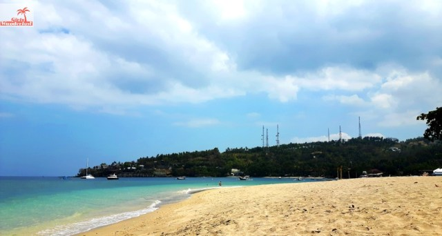 Travel guide Senggigi, Lombok – things to do, eat, sleep, and party by @girlswanderlust #senggigi #beach #pantai #girlswanderlust #travel #travelling #lombok #asia.jpg