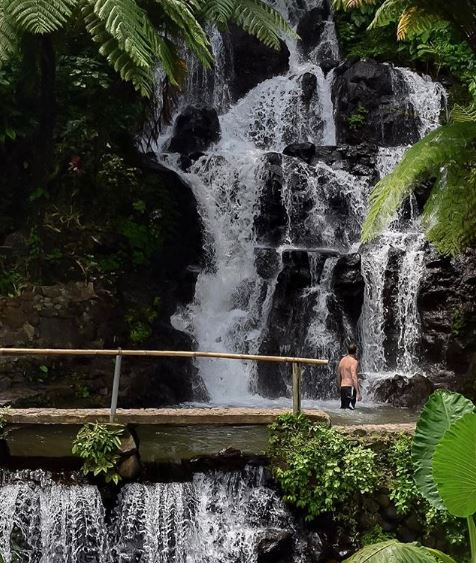 Jembong waterfall @us.on.earth.JPG