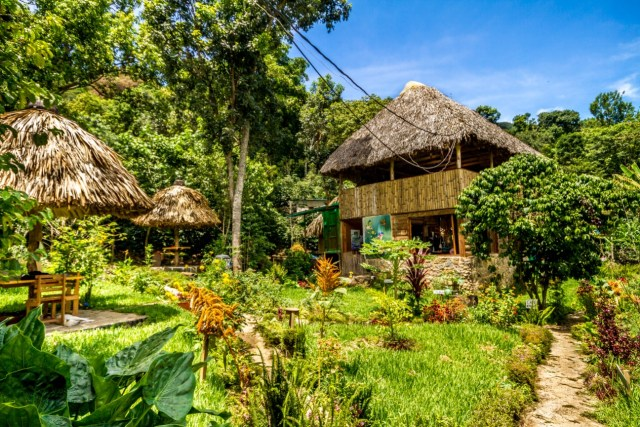 Great eco-ho(s)tel in a beautiful garden Eco-hotel MayAchik by @girlswanderlust #sanjuan #sanjuanlalaguna #guatemala #lakeatitlan #atitlan #hotelreview #girlswanderlust #mayachik #eco-h