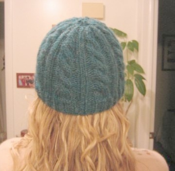 medium_cable_hat_back.4.jpg