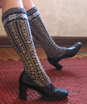 medium_norwegian_stockings_shoes.jpg
