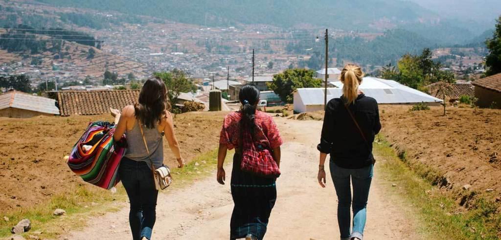 The Little Market & Women in Peru