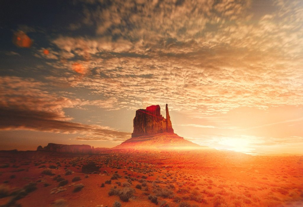 10 Photos to Inspire Your Monument Valley Road Trip