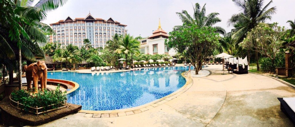 Best Hotels of Becca the Bachelorette's Season, Girl Who Travels the World, Shangri-La Thailand