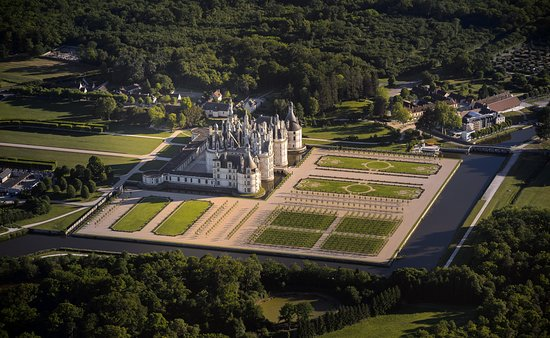 Chateau de Chambord, Girl Who Travels the World