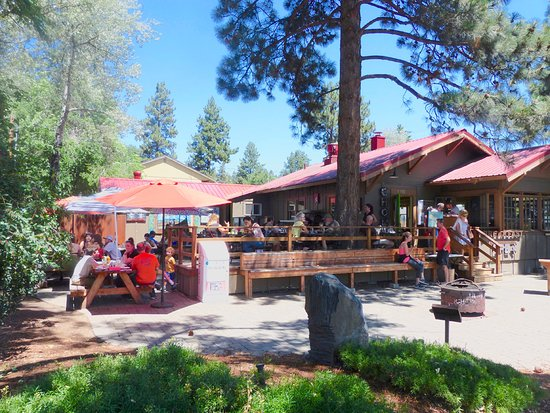 Best Brunch Spots in Bend, Oregon, Girl Who Travels the World, Chow