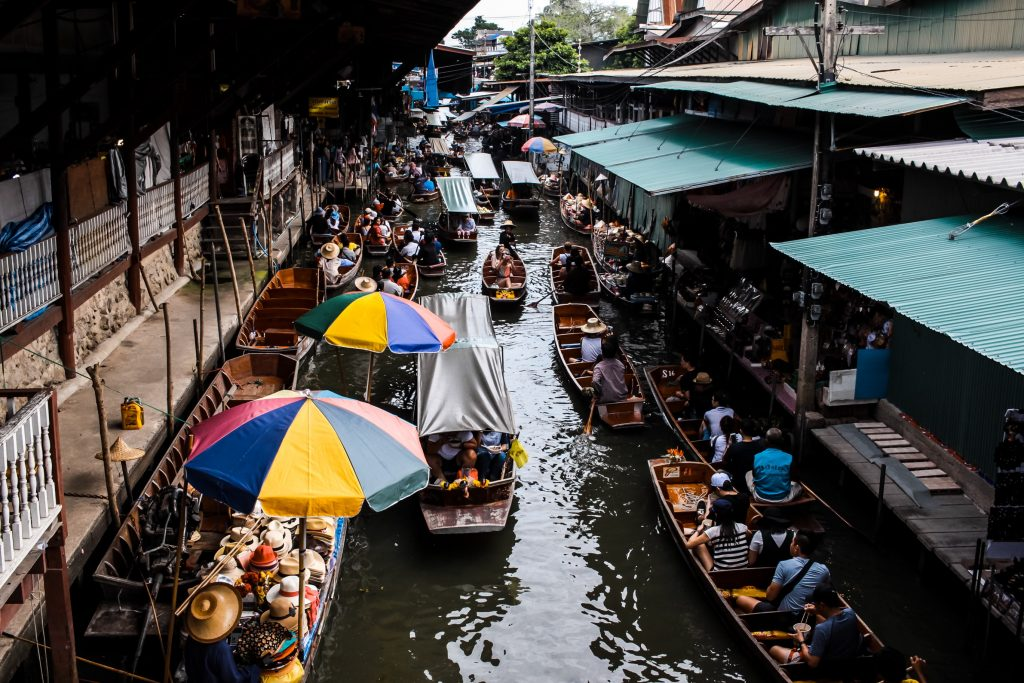 Ultimate Girl's Guide to Thailand Travel, Girl Who Travels the World, Floating Market, Bangkok