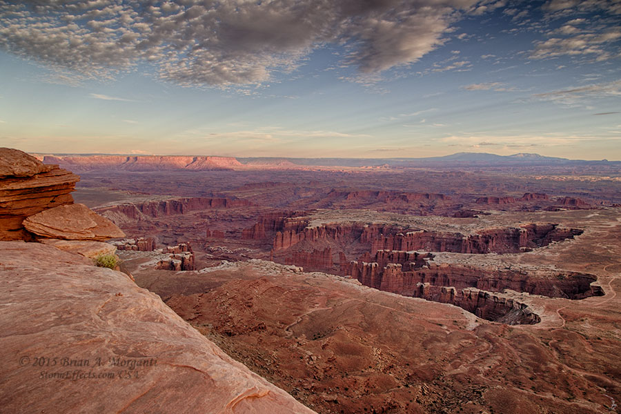 Best Easy Hikes at Canyonlands National Park, Girl Who Travels the World, Grand Viewpoint Overlook