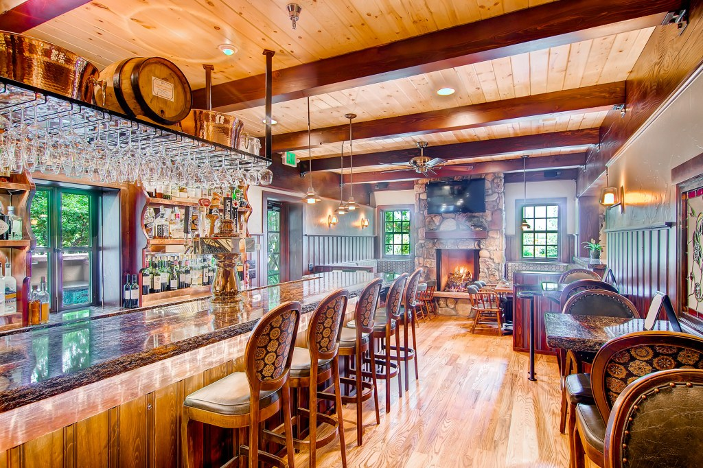 Where to Brunch in Boulder, Colorado, Girl Who Travels the World, Greenbriar Inn