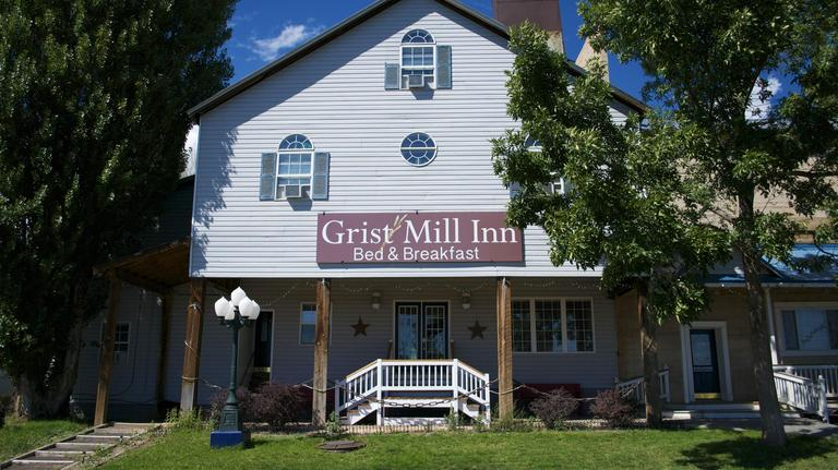 Best Easy Hikes at Canyonlands National Park Girl Who Travels the World, Grist Mill Inn