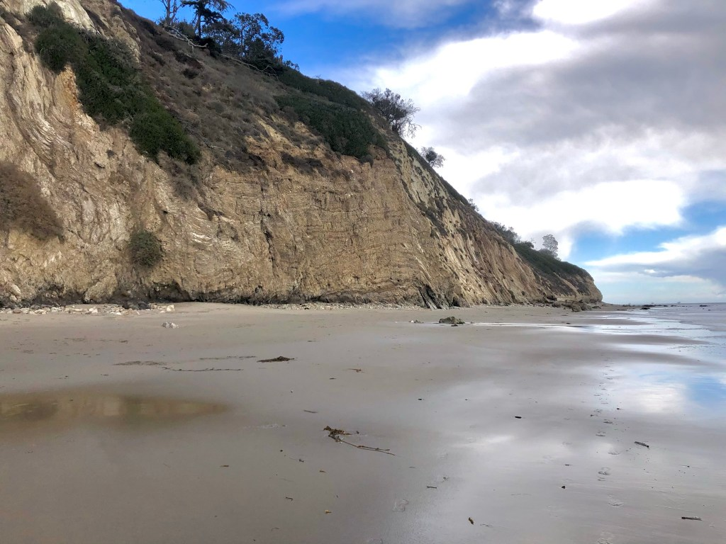Best Off-Leash Dog Beaches in Central California, Girl Who Travels the World, Arroyo Burro