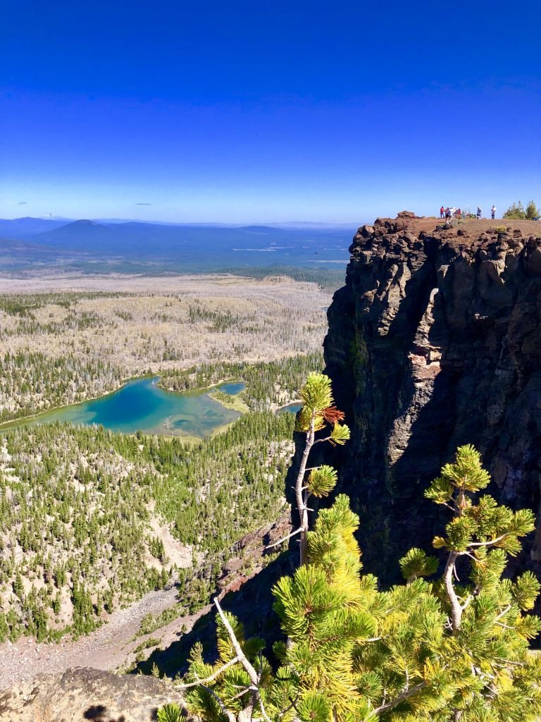 Guide to a Perfect 3-Day Weekend in Bend, Oregon, Girl Who Travels the World, Tam McArthur Rim Trail