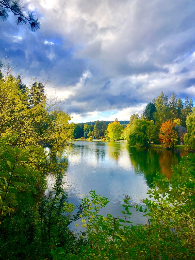 Where to Find Fall Color in Oregon, Girl Who Travels the World