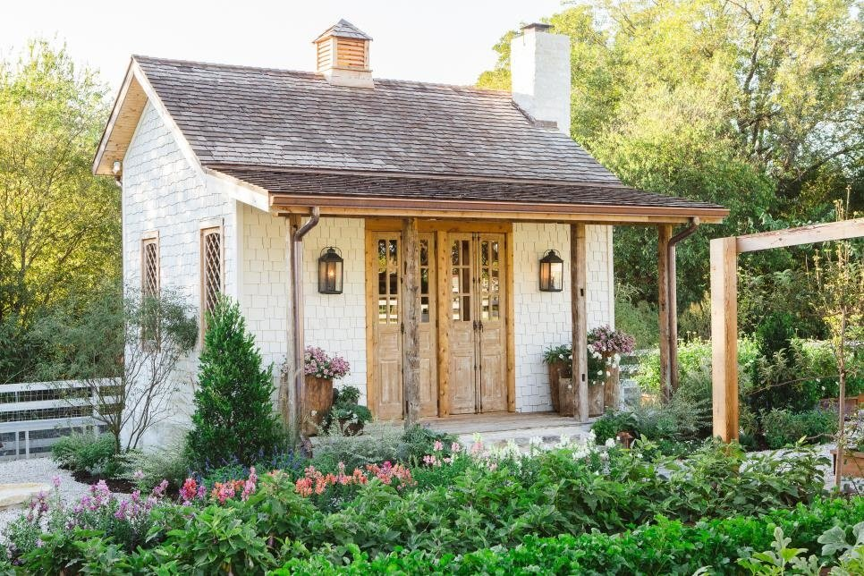 How to Create a Joanna Gaines-Worthy Garden, Girl Who Travels the World, Joanna's Garden Shed