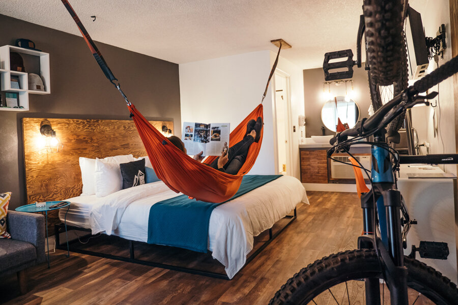 Best Pet-Friendly Hotels in Bend, Oregon, Girl Who Travels the World, LOGE Bend