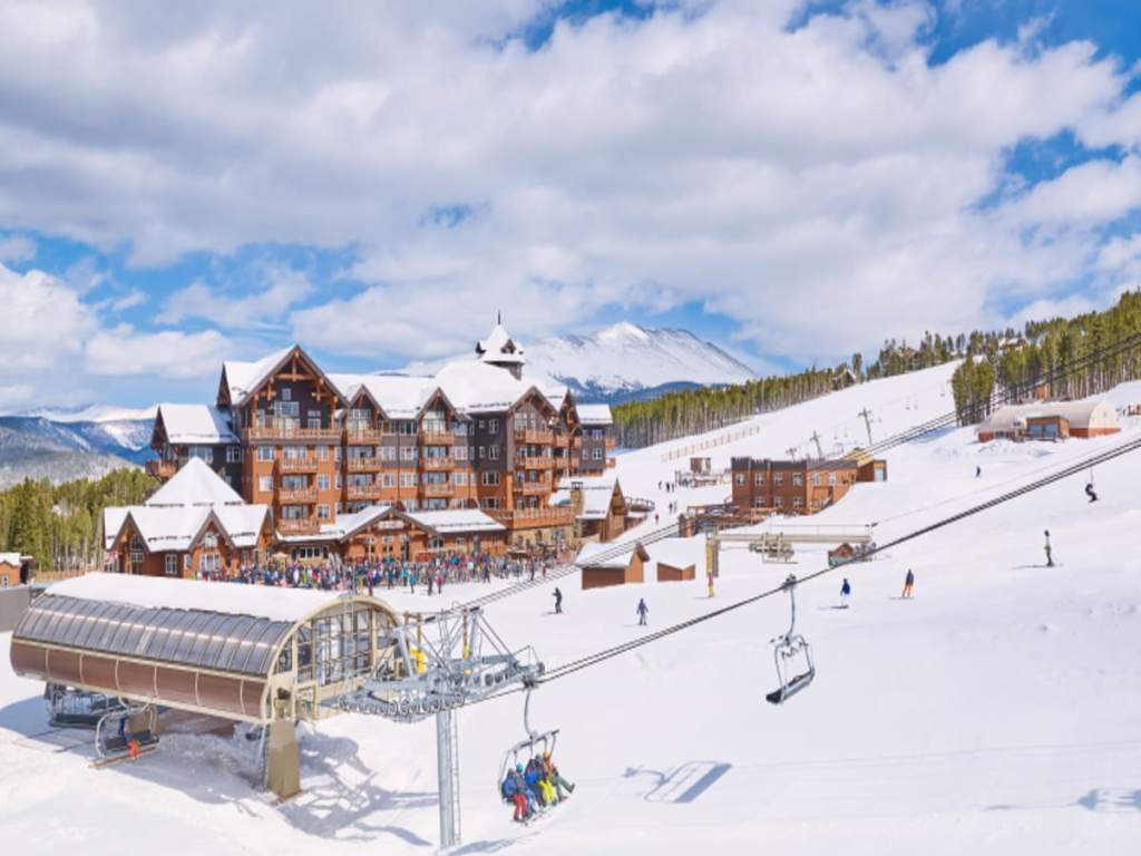 Best Ski-in Ski-Out Hotels in Breckenridge, Girl Who Travels the World, One Ski Hill Place