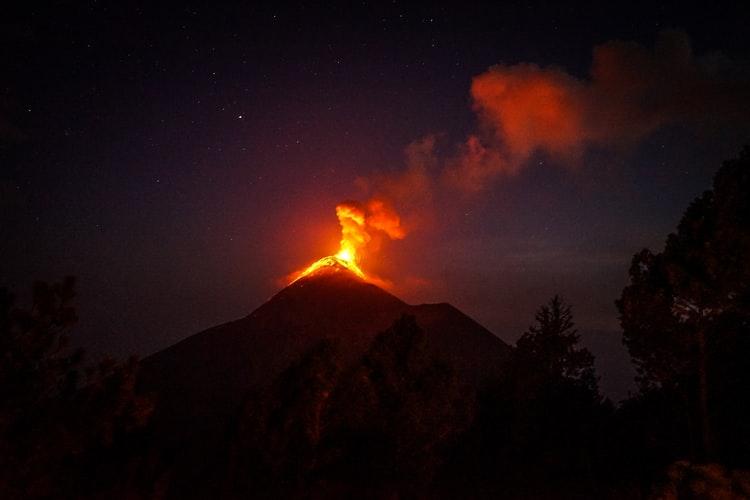 Solo Female Travel in Antigua, Guatemala, Girl Who Travels the World, Volcano Acaytenango, Antigua Guatemala