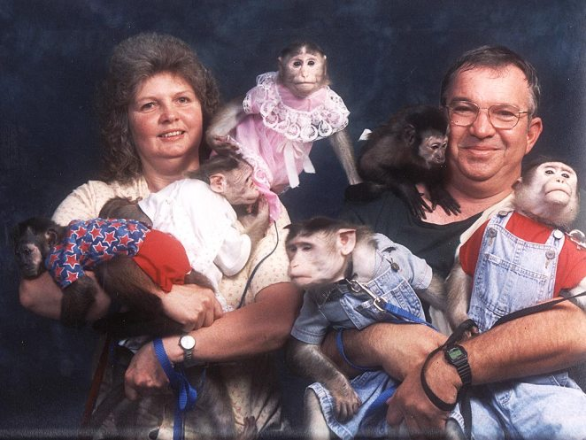 Really Awkward Family Photos - Joyenergizer