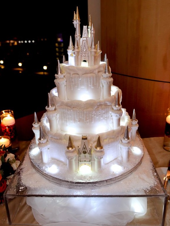 33 Creative Themed Wedding Cakes - Coolest Wedding Cakes