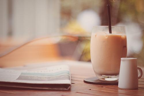 「カフェ」「ドリンク」「ミルクティー」「夏」「飲み物」などがテーマのフリー写真画像