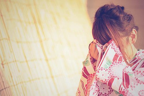 「くるりんぱ」「ヘアスタイル」「和服」「夏」「女性・女の子」「浴衣」などがテーマのフリー写真画像