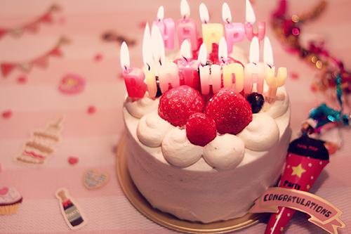 「アルファベット」「お祝い」「キャンドル」「ケーキ」などがテーマのフリー写真画像