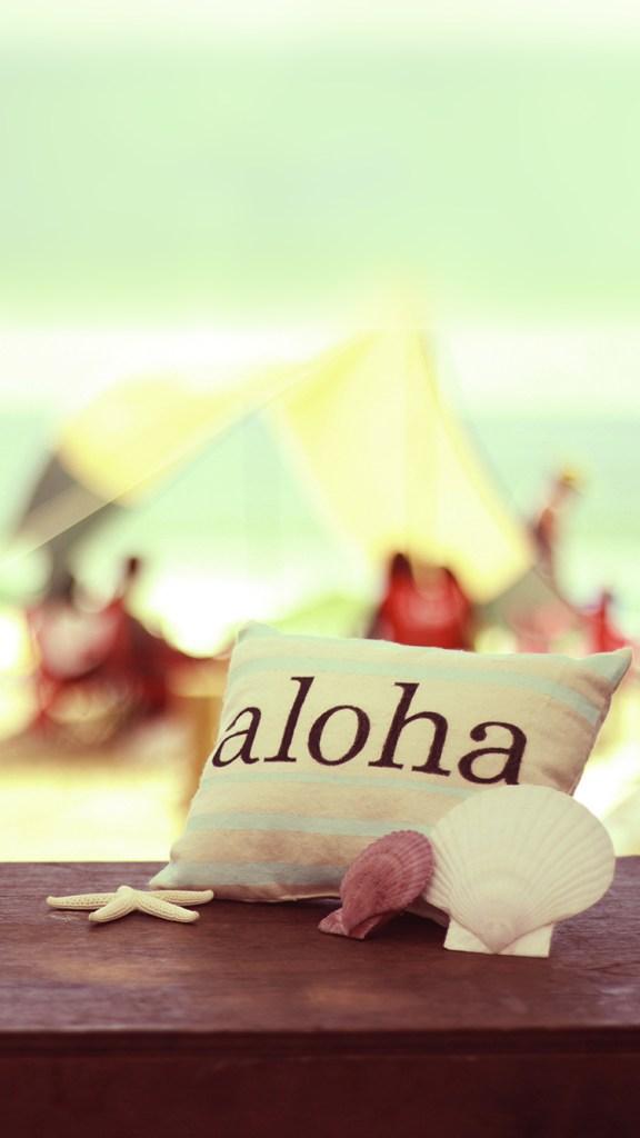 【おしゃれなiPhone壁紙】ハワイアンな雰囲気の海辺のテラス