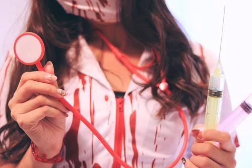 「コスプレ」「ゾンビ」「ナース」「女性・女の子」「注射器」などがテーマのフリー写真画像