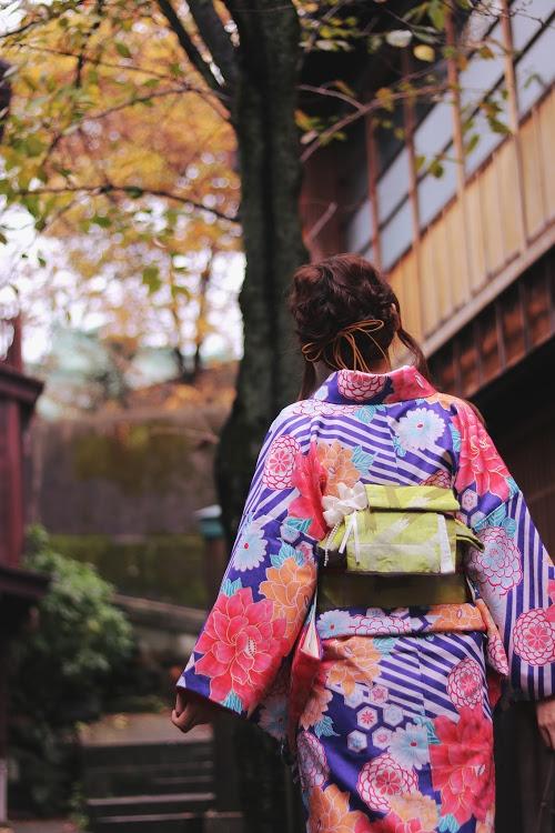 「和」「女性・女の子」「着物」「金沢」「階段」などがテーマのフリー写真画像