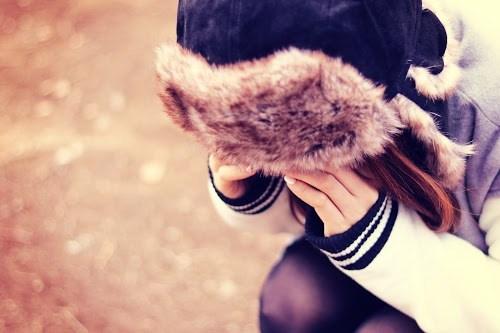 「かなしい」「冬」「女性・女の子」などがテーマのフリー写真画像