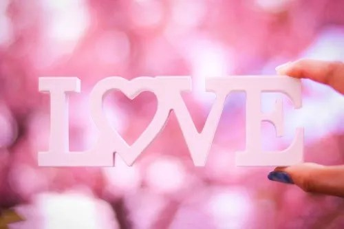 「LOVE」「文字アート」「春」などがテーマのフリー写真画像