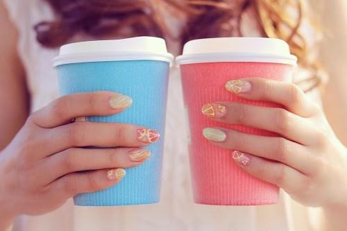 「カップル」「コーヒー」「女性・女の子」「春」「飲み物」などがテーマのフリー写真画像