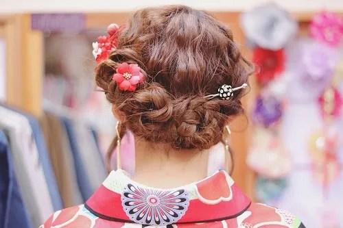 かんざしやお花飾りで作る和服の時の最旬ヘアスタイル♡