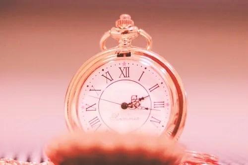 「ピンク加工」「時計」などがテーマのフリー写真画像