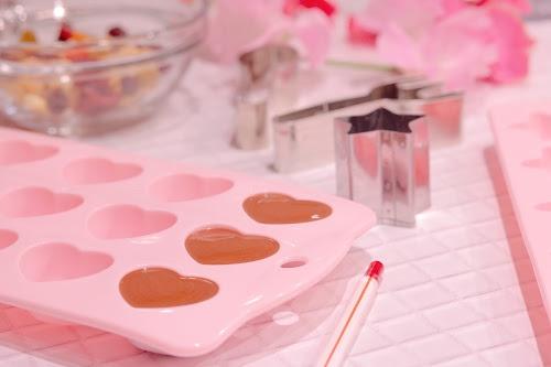「お菓子」「お菓子作り」「チョコレート」「ピンク加工」などがテーマのフリー写真画像