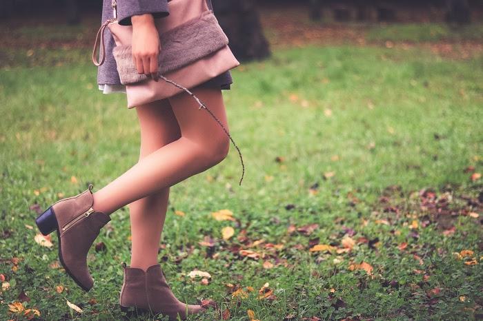 「公園」「女性・女の子」「秋」などがテーマのフリー写真画像