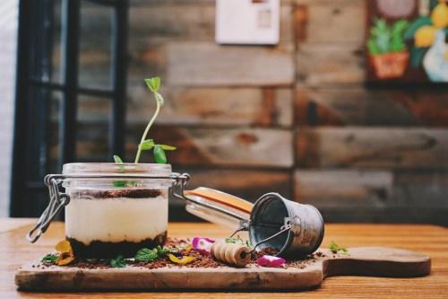 「カフェ」「スイーツ」「ティラミス」「デザート」「食べ物」などがテーマのフリー写真画像