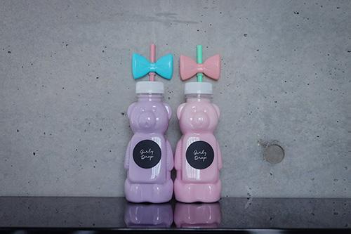 フリー写真素材:時代は『ボトル映え』♡カラフルな飲み物が入ったくまのボトルドリンク