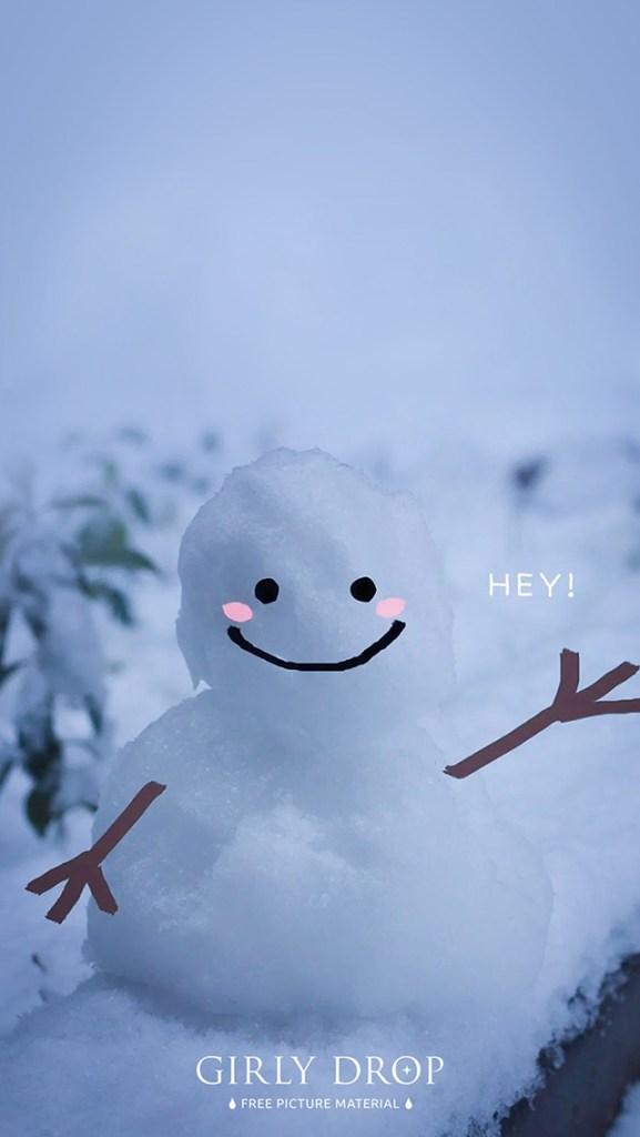 おしゃれなフリーのスマホ壁紙(待受け):【オシャレなiPhone壁紙】ちいさな雪だるまに命が宿った瞬間♡